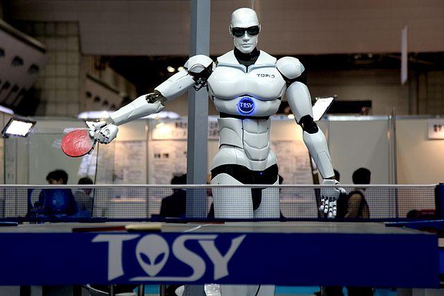 Robot playing pingpong
