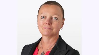 Annemarie Arens Headhshot